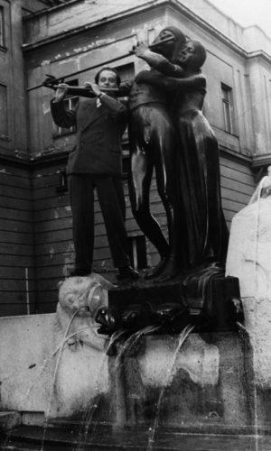Am Zauberflötenbrunnen in Wien