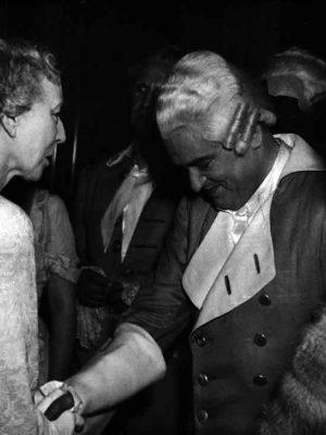 mit der belgischen Königin Mutter Elisabeth bei Così fan tutte, Salzburg 1952